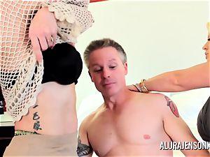 mummy detective Alura Jenson threesome orgy