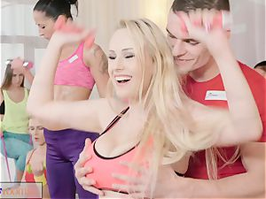 sport rooms immense cupcakes honeys deep-throat and pound