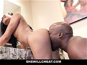 SheWillCheat - cuckold wife drills big black cock in shower
