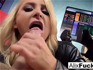 ash-blonde honey Alix Lynx fellates off the camerist