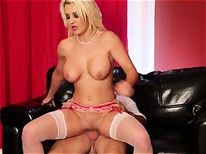 handsome stripper Sienna Day rodeo rides her client