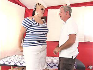 plumper huge-titted Bella gets a fuck-a-thon massage