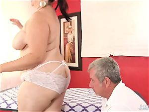 plumper huge-titted Bella gets a fuck-a-thon massage