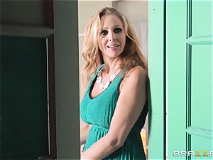 Julia Ann gets a cop in on her insatiable 3some