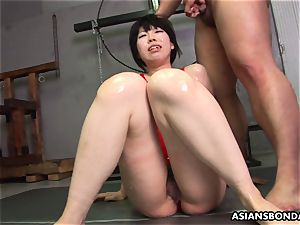 facialed in wam lubricant and she gets group boinked
