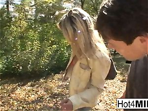 super-steamy ash-blonde mummy has a threeway at the park
