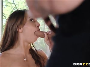 India Summers demonstrates Sara Luvv how to penetrate her guy