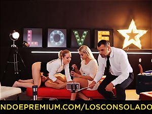 LOS CONSOLADORES - brilliant blondies sixty-nine in group hump