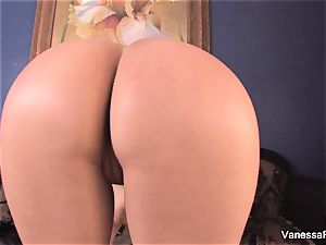 domme Vanessa tells you to masturbate off and spunk