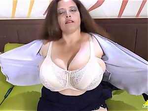 LATINCHILI Rosaly is draining her thick brazilian grannie