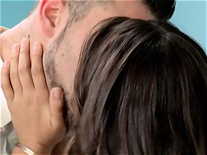 Reunited Sn 5 Sara Luvv gets a sweet tearing up from her ex