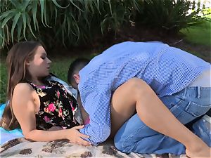 Facade Sn 4 go on a super-fucking-hot picnic with cool Cassidy Klein