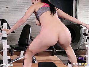 Dear coach Katrina Jade - You want to instruct my man rod?