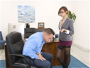 manager Jade Jantzen sucks and nails a enormous dicked worker